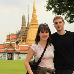 Davanti al Wat Phra Kaeo