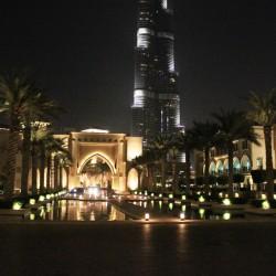 Sotto il Burj Khalifa