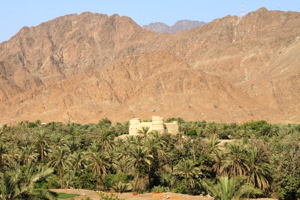 La costa orientale degli Emirati Arabi