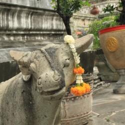 Una statua al Wat Arun