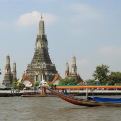 Wat Arun dal Chao Phra Express