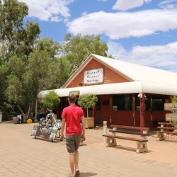 L'Outback Pioneer Hotel