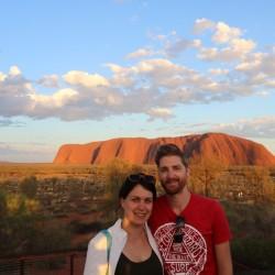 Davanti all'Uluru